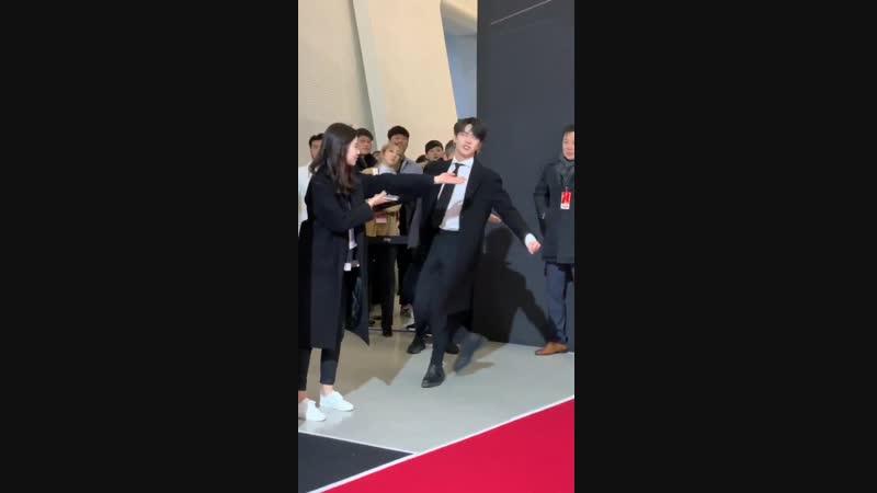FANCAM | 181210 | Red Carpet in MAMA 2018