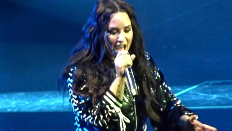 Demi Lovato - Solo live - Tell Me You Love Me Tour Zurich