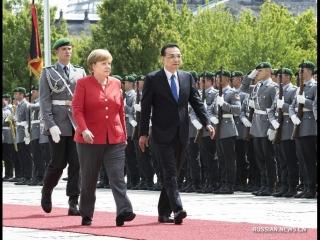 Ли Кэцян провел переговоры с канцлером ФРГ А.Меркель