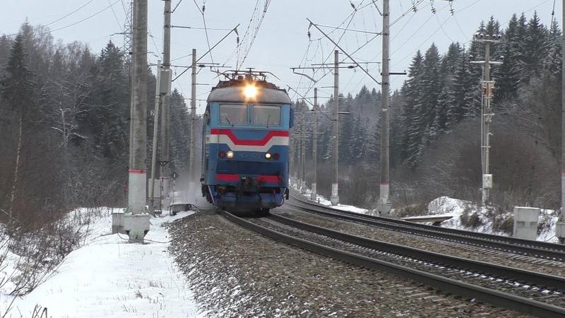 Электровоз ЧС7-022 с фирменным поездом Полонез