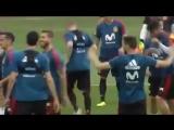 Серхио Рамос скопировал падение Роналду в игре с Испанией