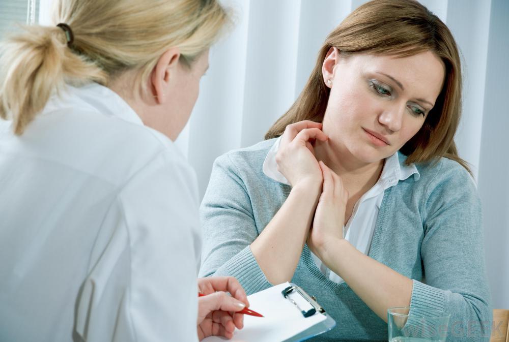 Интенсивные колебания настроения и эмоциональная нестабильность являются общими симптомами биполярного расстройства.