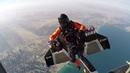Jetman et Vincent Reffet à plus de 300 km/h au dessus de Dubaï
