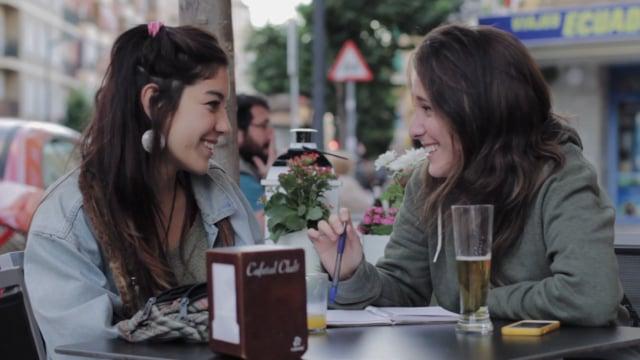 Au clips ; lesbian couple ; unfiltered