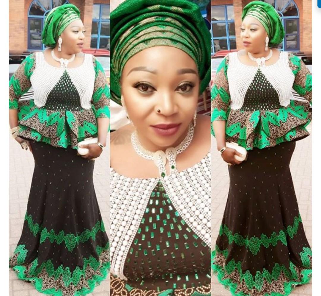 FANTASTIC AFRICAN LACE ASO EBI & AFRICAN PRINT STYLISH DRESSES! 2