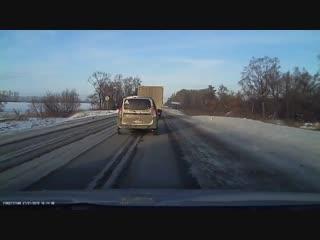 Момент массовой аварии с участием пассажирской «Газели» в Башкирии попал на видео