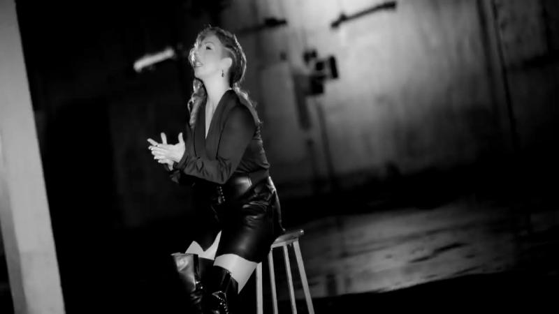 Zeynep Dizdar Bi Gülüşü Official Video