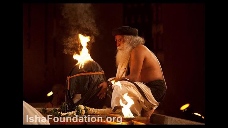 Sadhguru chants Aum (om) 108 times with bell at 72nd Aum