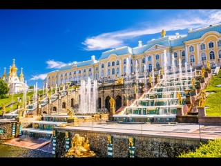 Праздник открытия фонтанов начался в Петергофе
