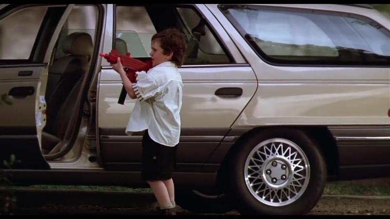 Мальчик с конфеткой (Хищник 2)