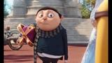 Маленький Грю впервые встречает Миньонов. Королева посвящает миньонов в рыцари. Миньоны (2015)
