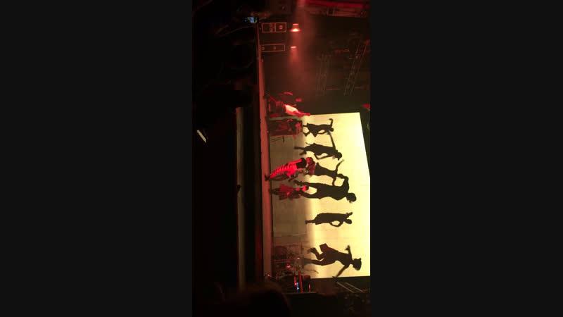 Вчера біла на концерте Лазарева😍