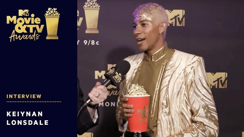 Keiynan Lonsdale Reacts to Winning Best Kiss Award | 2018 MTV Movie TV Awards