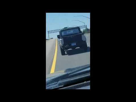 Пикап Jeep Scrambler тестируют на дорогах