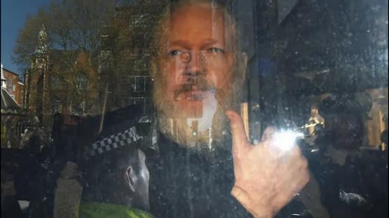 Cem Küçük yorumladı Freedom House Julian Assange için ne diyecek