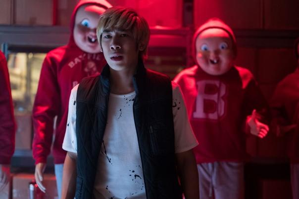 Первый отрывок и кадры из хоррора «Счастливого нового дня смерти» IGN и Universal Pictures поделились дебютным отрывком и новыми кадрами из продолжения фильма ужасов «Счастливого дня смерти». К