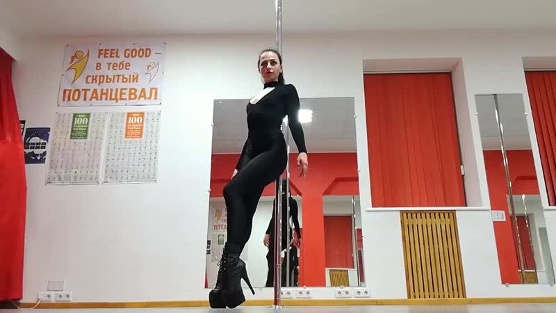 Alyona Amber Exotic Pole Dance Игристое