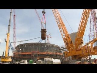 Установка ядерного реактора на АЭС Vogtle-4 в штате Джорджия, США