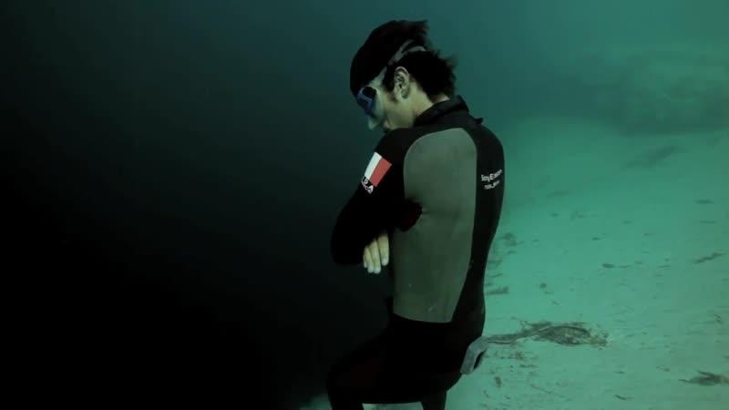 Прыжок в бездну. Фри-дайвинг на глубину 202 метра и обратно