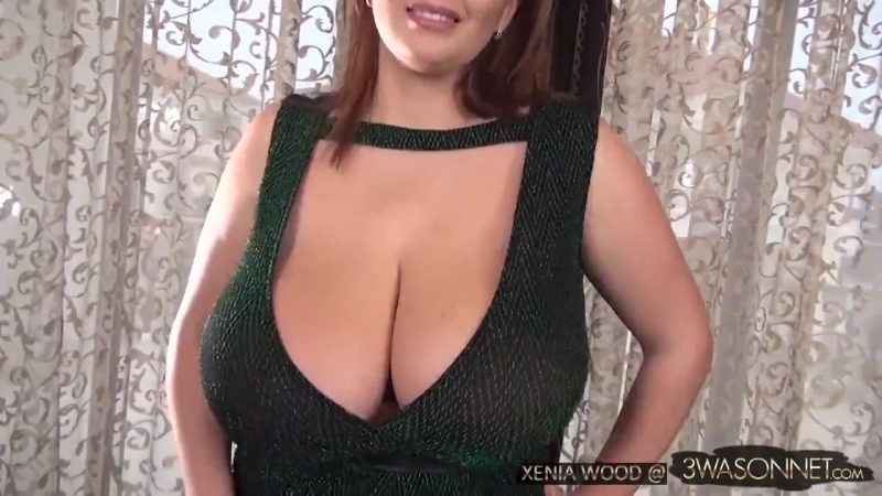 Xenia Wood - Bare Breasts In Green Dress (Нина Потрапелюк, Большие сиськи, Грудь, Пышки, Big Tits, Busty Girls, Plus Size, Curvy