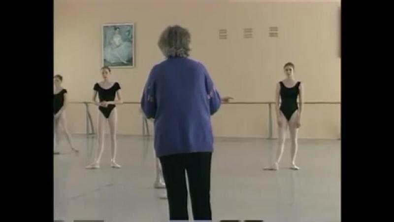 1_4 Dance lesson - Perm Ballet School documentary