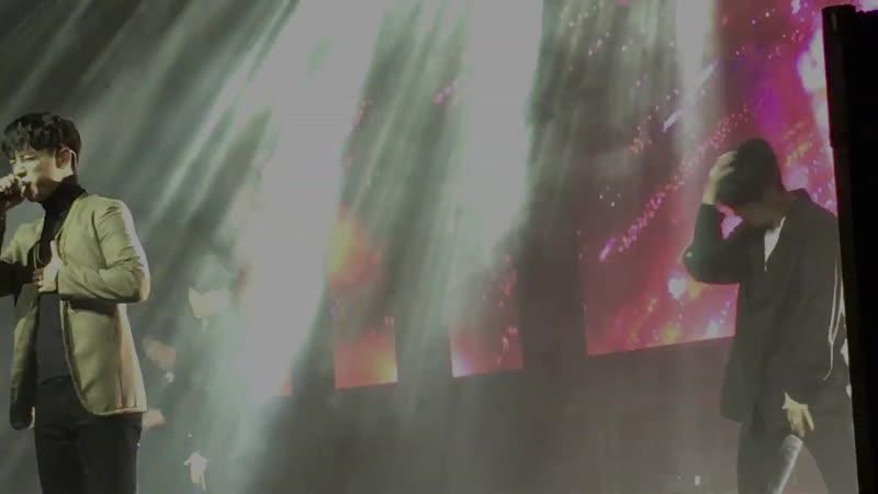 FANCAM 04 12 18 B A P 'FOREVER WITH BABYz' TOUR London Daehyun Jongup Take Off