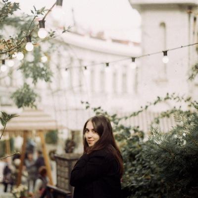 Мила Калинкова