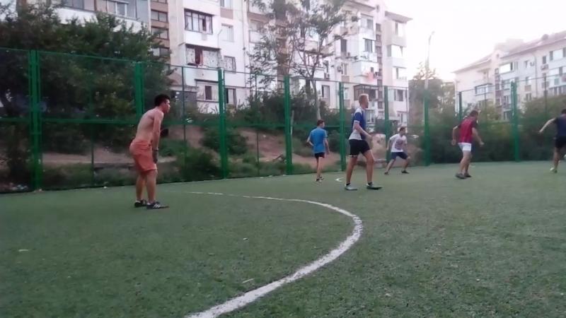 Играем в дворовой футбол на Шостака 17 07 2018