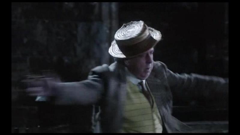 - А по нашему - раз, два, три...(коротыш).(Отрывок из сериала: Замок Бландингс).