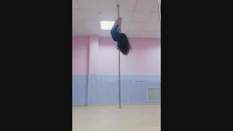 Pole dance art (переход из скорпиона в супермена)