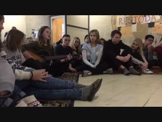 Анна Мороз по-настоящему (исполняет Александра Шувалова)