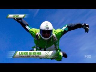 ШОК!!! Люк Айкинс установил новый мировой рекорд по прыжкам без парашюта. С высоты 7.5 км в натянутую над землёй сетку.
