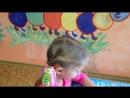 Леронька читает про гусеницу