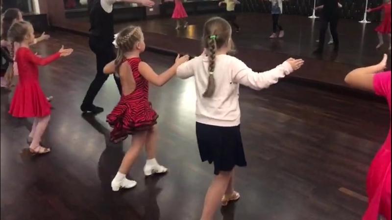 Kids class Танцы для детей Школа танцев Романа Ковгана