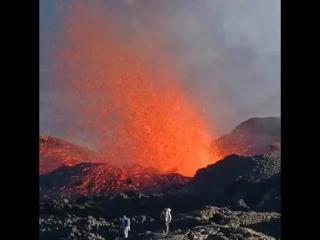 Au Chevet De La Quatrième Éruption De L'année 2018 Partie 1.mp4