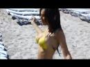 Молодая красотка пляж торчат соски позирует перед камерой раздевается эротический клип красивая жопа gogo лето стриптиз на вебку