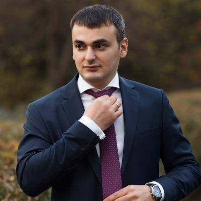 Юлиан Нароев