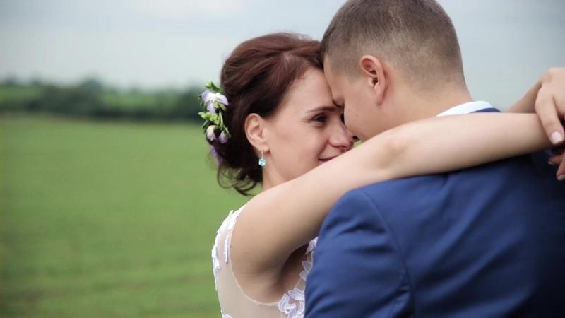 Очаровательная история любви! Чтобы быть в главных ролях – закажите свадебную съемку в студии Life Moments.