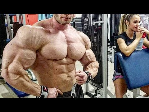 The Bodybuilder With Perfect Genetics Who's Not A Pro