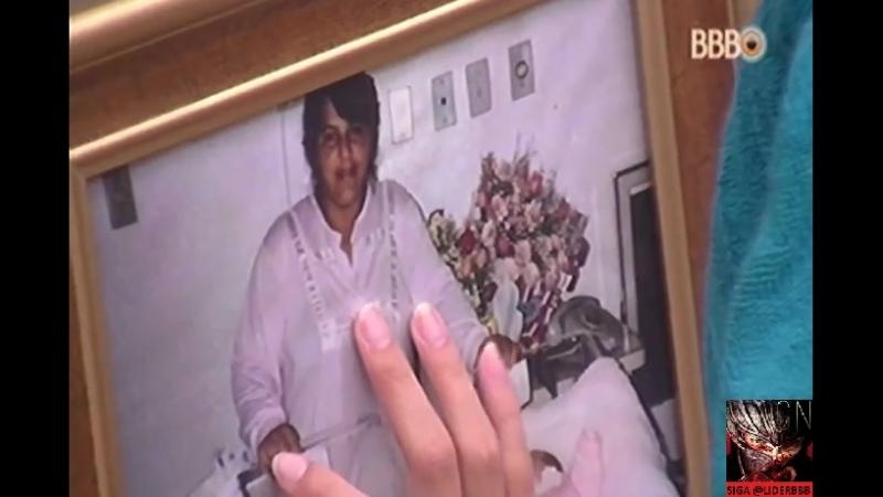 Emilly chora ao ver foto da Me no quarto da mãe no Líder 08-02-2017