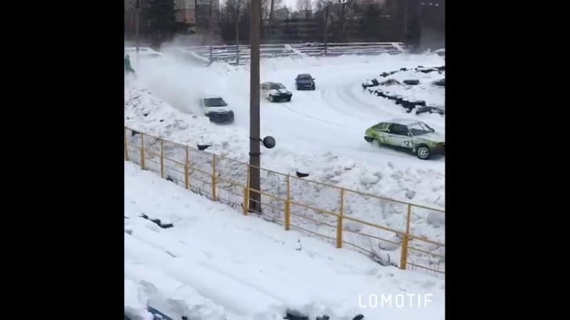 видео с Открытого чемпионата ДОСААФ и Кубка Санкт-Петербурга по трековым гонкам на Мототреке ДОСААФ России в Санкт-Петербурге.