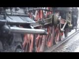 Клубы пара, уголь и огонь паровоз из прошлого века прибыл в Вологду (видео)