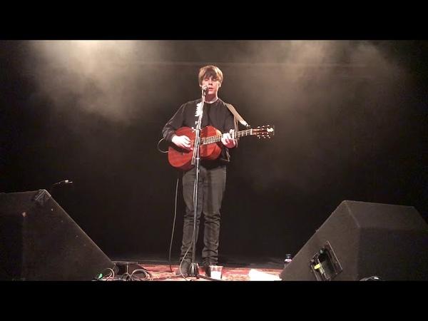 Jake Bugg - Someone Told Me (live)