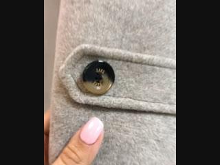Двубортное Пальто с меховым воротником