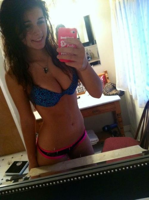 Gf with delicious body has morning sex