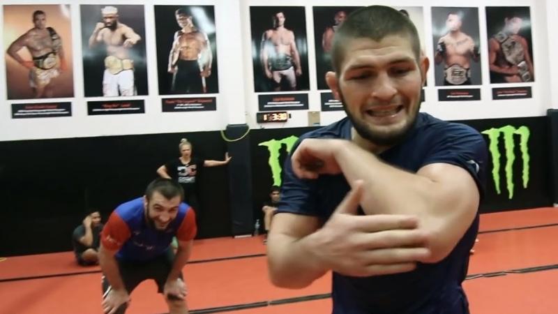 Тренировки Хабиба Нурмагомедова к бою против Конора Макгрегора на UFC 229 РУССКАЯ ОЗВУЧКА