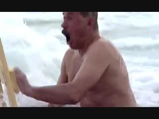 Это лучшее видео на этот момент с купанием в проруби