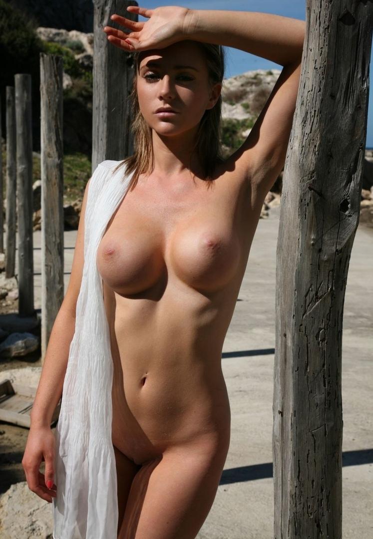 Nude pics of kate capshaw