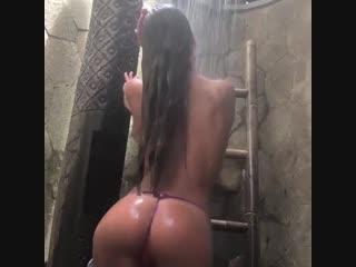 Это не узбекский секс. Смотрите как моется голая узбечка малолетка. Узбек видео