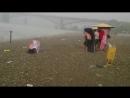Внезапный ураган с градом посреди 35 градусной жары на пляже